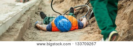 Construction worker has an accident during his work