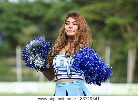 Huahin Thailand-aug9,2015:dancers Cheer Of Huahin City Fc Duriung Half Time Of The Match At Tanarat