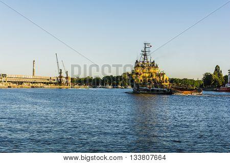 Specialized Vessel Enters Port.