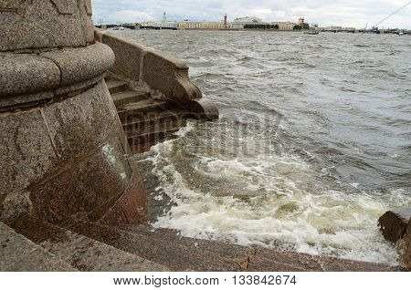 Russia Saint Petersburg.The city's storm warning.The water level in Neva has risen strongly.