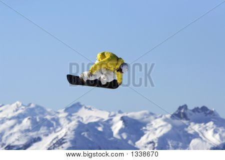 Yellow Jacket Snowboard Air