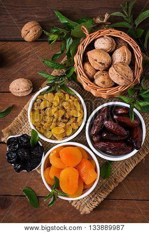 Mix Dried Fruits (date Palm Fruits, Prunes, Dried Apricots, Raisins) And Nuts. Ramadan (ramazan) Foo