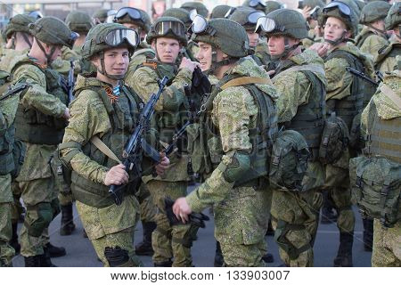 PSKOV, RUSSIA - MAY 07, 2016: Soldiers of the 76th guards air assault division (Pskov airborne division) preparing for rehearsal of parade in honor of Victory Day