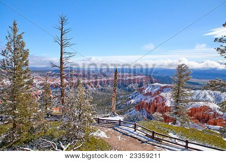 View Bryce Canyon In May 2011