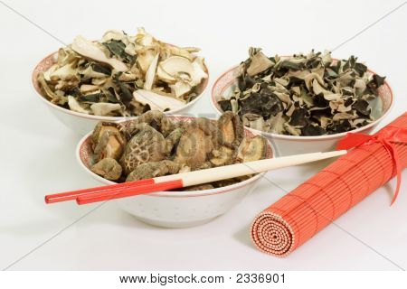 Dried Asia Mushrooms