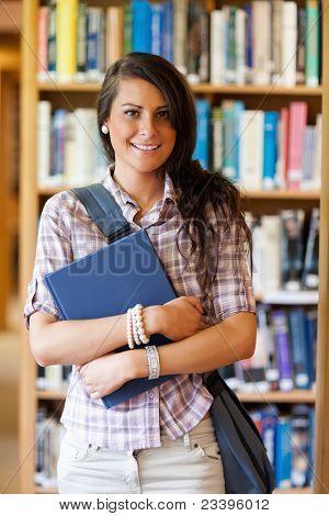 Portret van een schattige Student poseren met een boek
