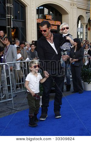 LOS ANGELES - JAN 23: Gavin Rossdale with sons Kingston and Zuma at the premiere of 'Gnomeo & Juliet'  on January 23, 2011 in Los Angeles, California