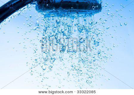 Ducha con chorro de agua