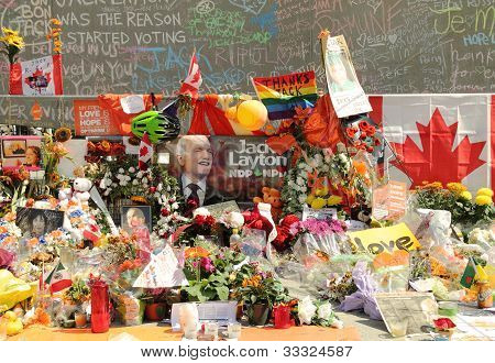 Memorial for Canadian Federal NDP Leader Jack Layton