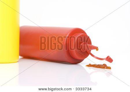 Ketchup Spilling