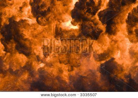 Fogo e fumaça perto acima