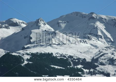 Crans Montana Ski Slopes Under Their First Snow Of The Season