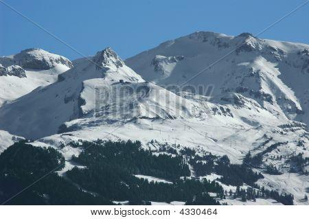 Crans Montana Ski Slopes Under Their First Snow Of The Season