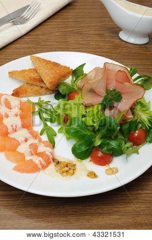 Aperitivo de Jamon com legumes