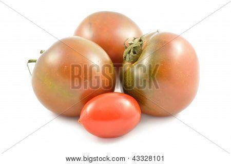 Kumato Tomatoes And Cherry Tomatoes