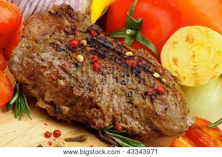 Verduras y carne a la parrilla