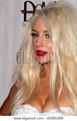 LOS ANGELES - MAR 14:  Courtney Stodden at the  L.A. Fashion Week L.A. Runway at the Mansion on March 14, 2013 in Los Angeles, CA