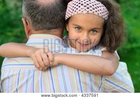 Großvater und Kid outdoors