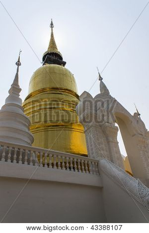 Chedi In Wat Suandok