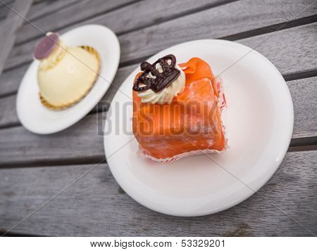 Orange Cake With Crown