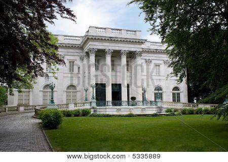 Marmor Haus mansion