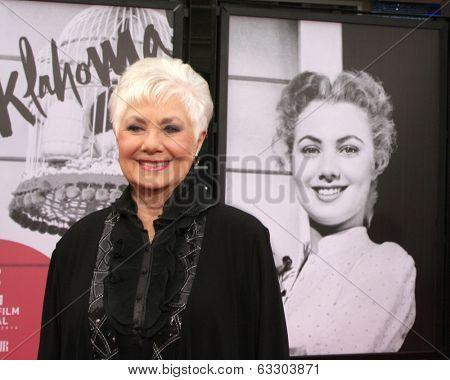 LOS ANGELES - APR 10:  Shirley Jones at the