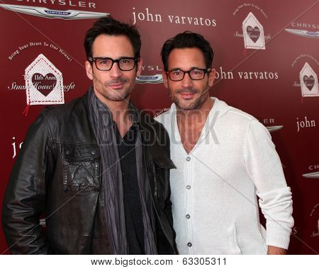 LOS ANGELES - APR 13:  Lawrence Zarian, Gregory Zarian at the John Varvatos 11th Annual Stuart House Benefit at  John Varvatos Boutique on April 13, 2014 in West Hollywood, CA