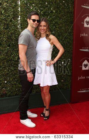 LOS ANGELES - APR 13:  Jason Behr, Kadee Strickland at the John Varvatos 11th Annual Stuart House Benefit at  John Varvatos Boutique on April 13, 2014 in West Hollywood, CA