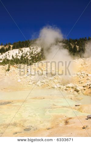 Mount Lassen Sulpher Springs And Mud Baths