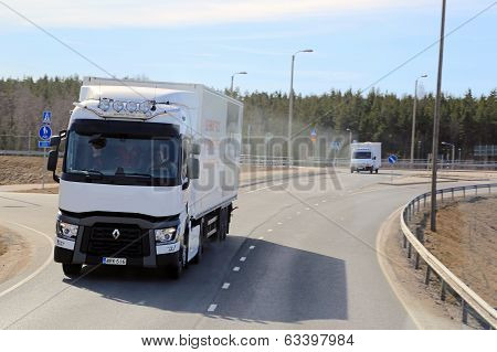 Test Driving A White Renault Range T Long Haulage Truck