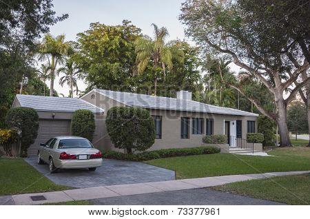 Residential House In Coral Gables