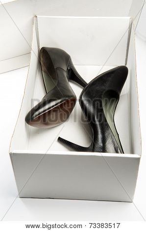 Black stiletto High Heels Shoe in the Box