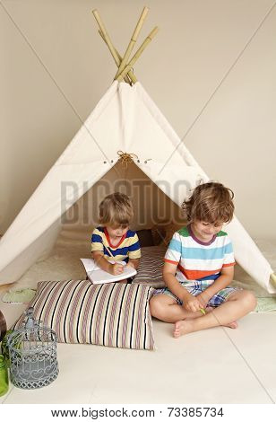 Indoor Play With Teepee Tent