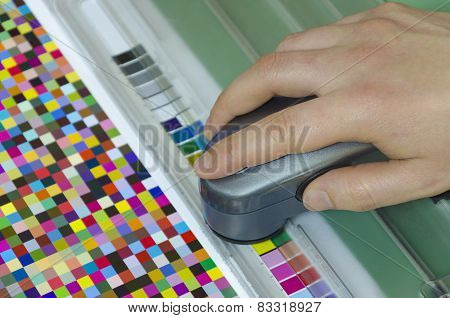 spectrophotometer verify color patches value