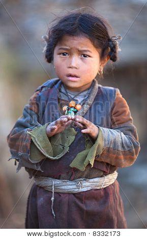 Retrato de niña tibetana