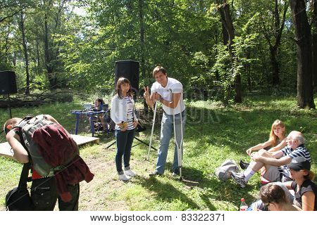 Deputy Dmitry Gudkov, Despite Recent Injury, Came To The Meeting Of Activists In Khimki Forest