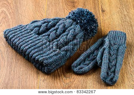 Gray Knitting Cap And Mittens