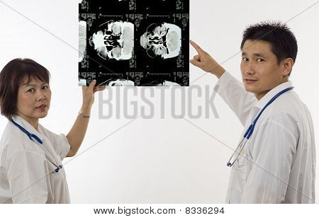 Doctors With Mri Scan