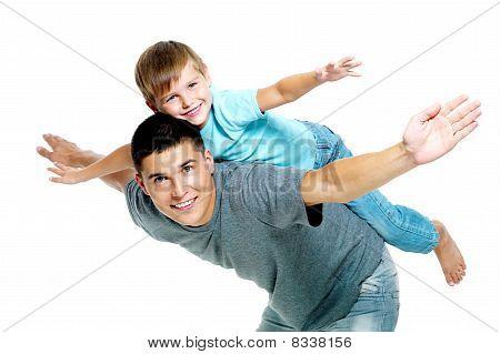 Feliz retrato del padre e hijo