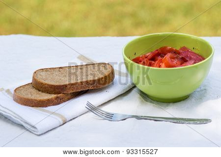 Tomato Salad With Brown Bread