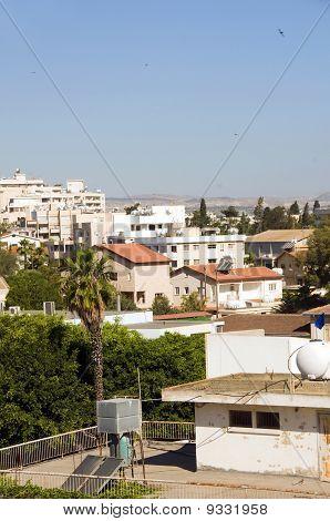 Vista de Cityscape no terraço de Larnaca Chipre Hotéis Condomínios Apartamentos escritórios