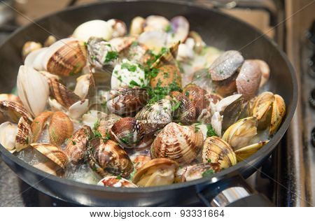 Clams In The Pan