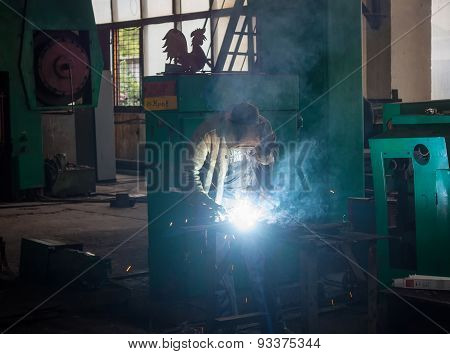 Thorez, Ukraine - July, 22, 2013: Welder At Work. Repair And Engineering Works