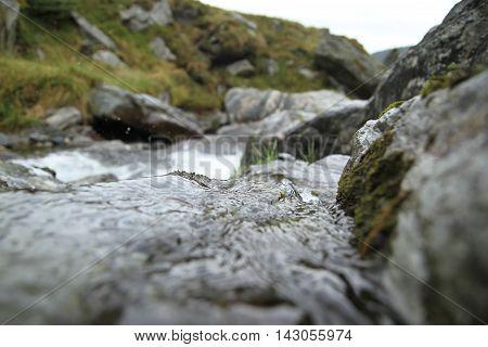 great shot of the river from transfagarasan road