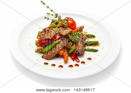warm salad of veal asparagus green beans carrots sesame seeds thyme pepper mushrooms
