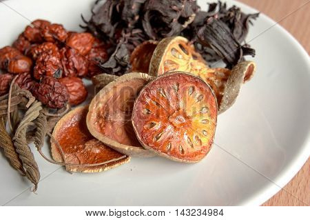 Quince dry, chinese date, east indian screw tree,roselle dry.
