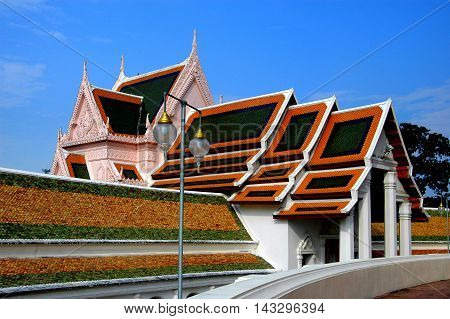 Nakhon Pathom Thailand - December 27 2005: South Vihara with its interlocking gabled roofs at Wat Phra Pathom Chedi