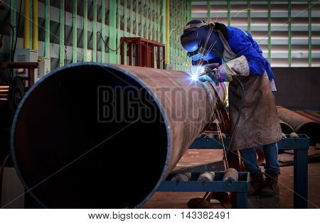 Pipe welding on the pipeline construction in factory