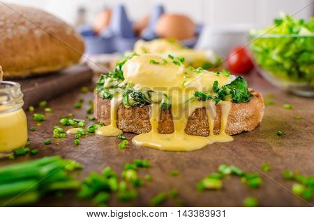 Egg Benedict With Spinach