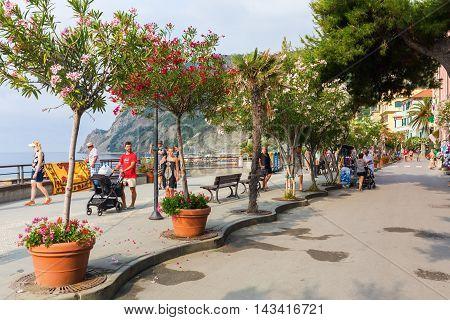 Promenade In Monterosso Al Mare, Cinque Terre